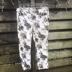 White House Black Market pants size 6
